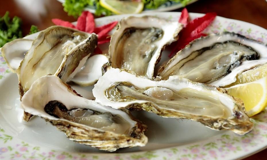 Alimentos como ostras, caju, fígado e gemas de ovo têm sido associados à redução da ansiedade.
