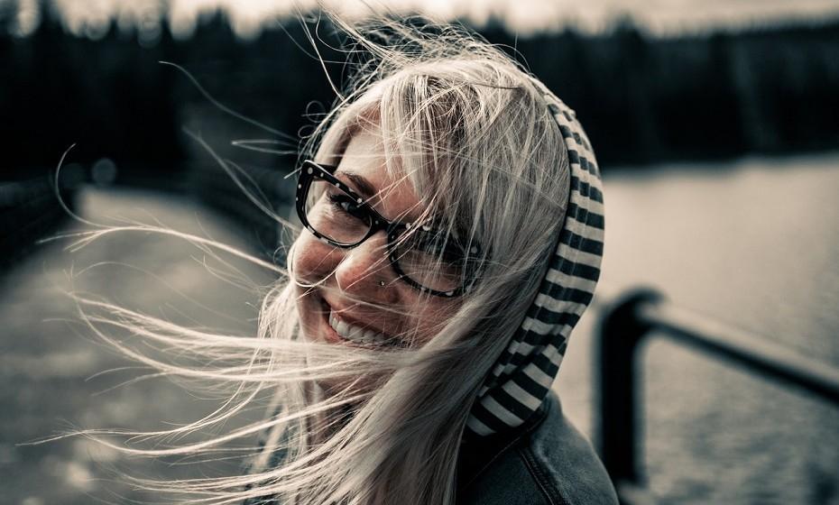 Rir com regularidade estimula a circulação sanguínea, desbloqueia o fígado e o coração.