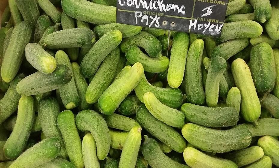 Um estudo recente, publicado na revista 'Psychiatry Research, sugere uma ligação entre alimentos probióticos e a diminuição da ansiedade social. Exemplo disso são os pickles, kefir, iogurtes com probióticos e chucrute.