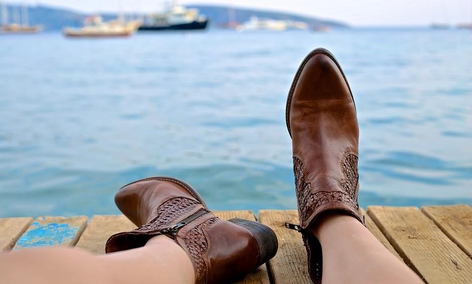 Utilize sapatos que encaixem corretamente, ou seja, nem muito soltos nem muito apertados.