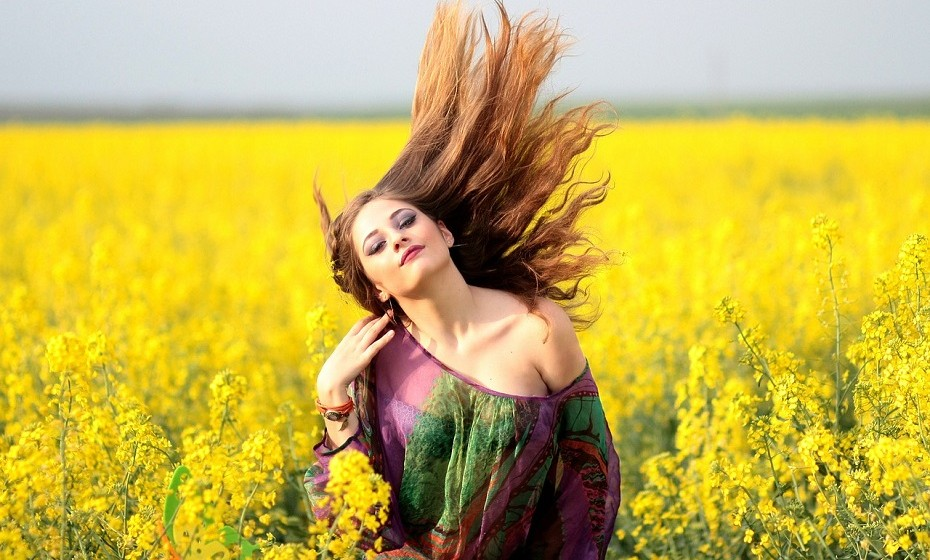 Valoriza aquilo que tem. Cultivar uma atitude de gratidão melhora o humor, o bem-estar físico e energiza.