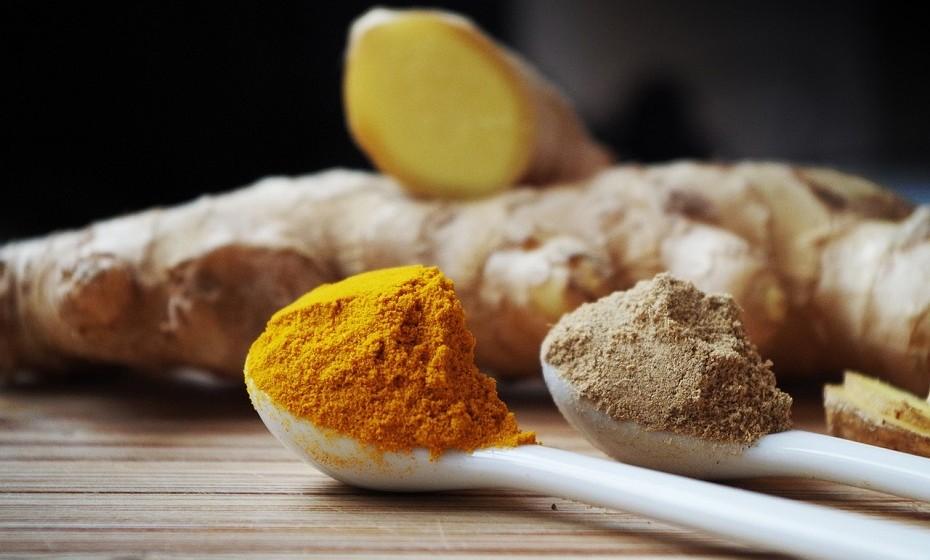 Especiarias antioxidantes como curcuma e gengibre têm propriedades anti-ansiedade.