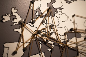 Embora o continente europeu já tenha sofrido muito altos e baixos, continua a ser um dos grandes impulsionadores do mundo. Fique a par de alguns factos curiosos e pouco conhecidos do público em geral.