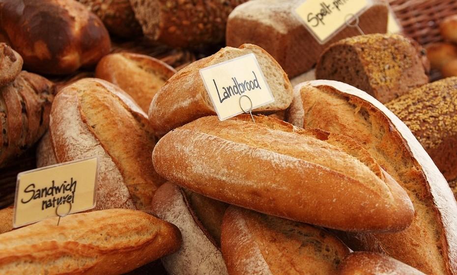 Alimentos de alto volume ajudam a que se sinta mais completo e diminua a ingestão de alimentos na refeição seguinte. Comer alimentos ricos em fibras é uma maneira fácil de fazê-lo.  Fonte: Authority Nutrition