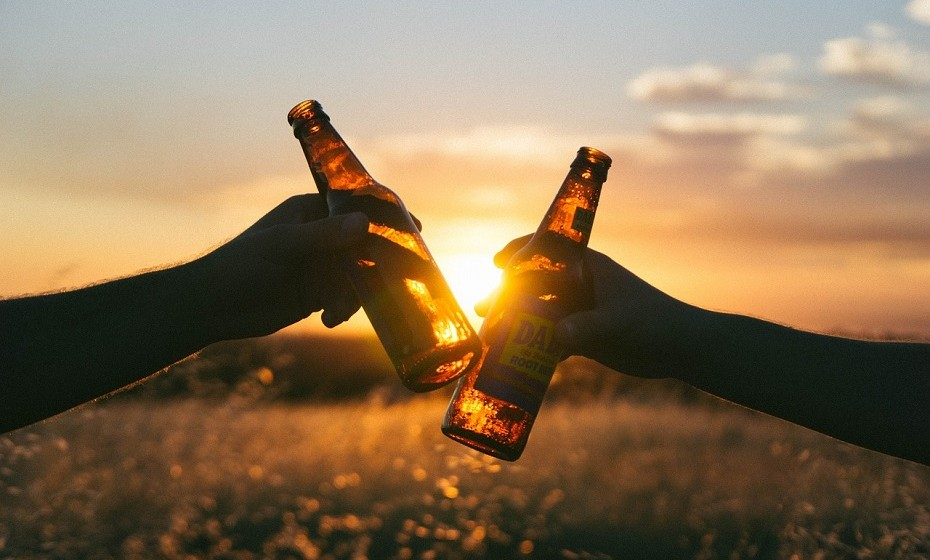 A gravidade da ressaca está diretamente relacionada com a quantidade de álcool consumida. Beber com moderação é a melhor maneira de evitar uma ressaca.