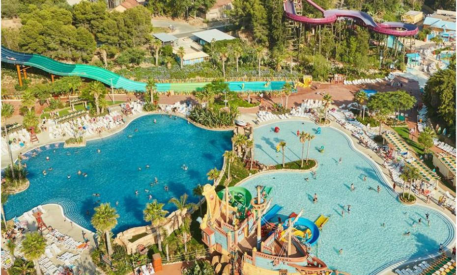 2. PortAventura Park, Espanha. É o maior parque temático de toda a Europa e está dividido em 5 áreas que representam zonas diferentes do mundo. Cada uma destas zonas está repleta de atrações incríveis e de espetáculos durante o dia inteiro.