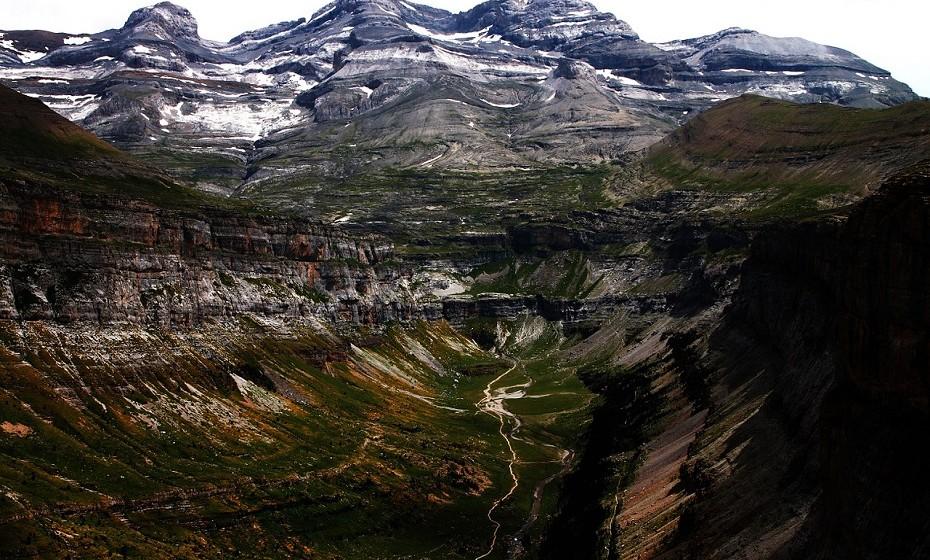 Ordesa, Espanha, oferece rotas adequadas para todos para que possa explorar, ao seu próprio ritmo, os vales, pastagens e rios que se encontram no sopé do Monte Perdido, o pico mais alto.