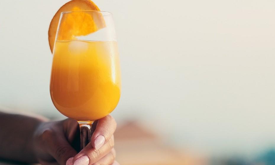 Pode obter esta vitamina a partir de sumo de laranja fortificado. Nem todas as marcas são fortificadas, ou seja, não têm vitamina D adicionada. Verifique sempre o rótulo.