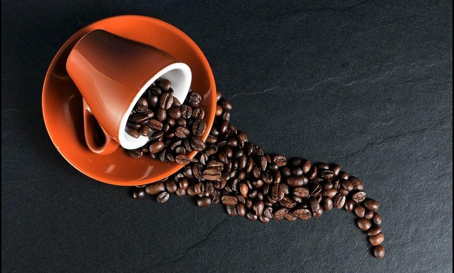 O bicarbonato de sódio é a melhor solução para as manchas de café.