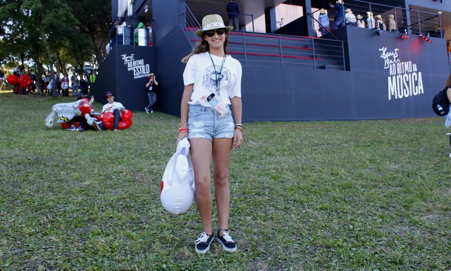 Beatriz Junqueiro garante que não vai passar frio com a roupa que optou por usar para este dia.