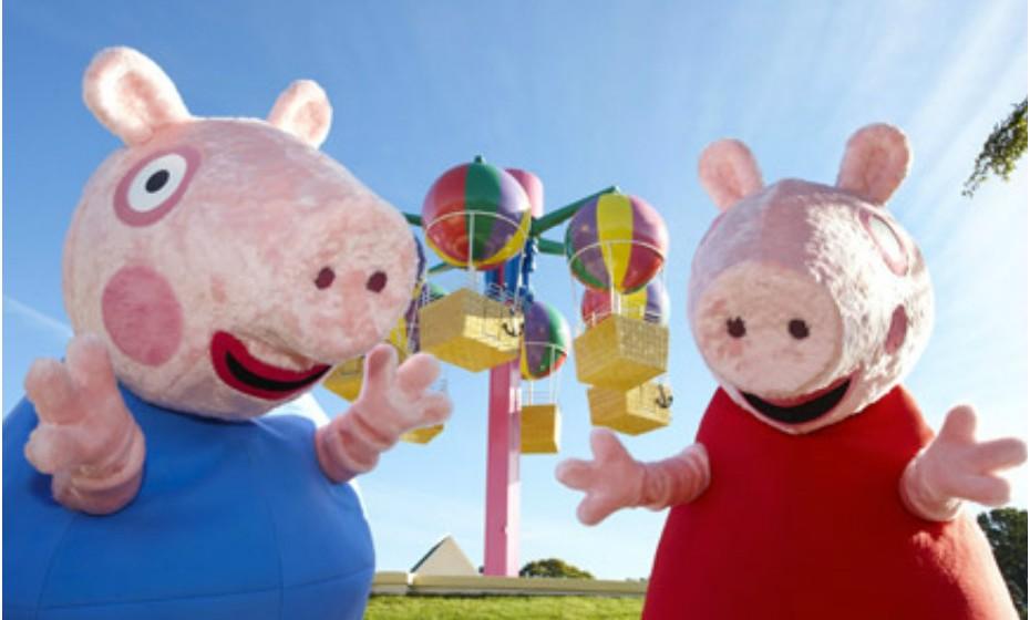 9. Paultons Family Theme Park, Reino Unido, é inspirado no imaginário do desenho animado 'Peppa'. Este parque está preparado para receber crianças e para lhes proporcionar um dia incrível e repleto de atividades divertidas.