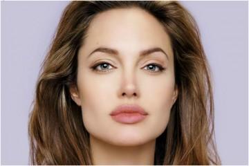 Angelina Jolie aceita ser professora de mestrado em Londres