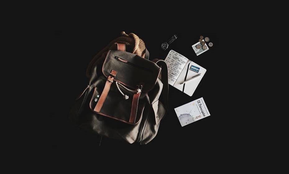 Na altura de partir em viagem, é sempre necessário pensar em muita coisa. O site de viagens 'Trip Advisor' questionou os seus experientes viajantes sobre as melhores dicas de arrumação e o que não pode faltar na hora de partir. Veja aqui e prepare já a mala para a próxima escapadinha.