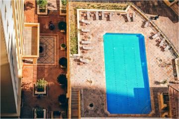 A 'TripAdvisor' pesquisou à volta do mundo e selecionou dez quartos de hotel com piscina privada, dignos de uma lua de mel de sonho. Veja tudo aqui.