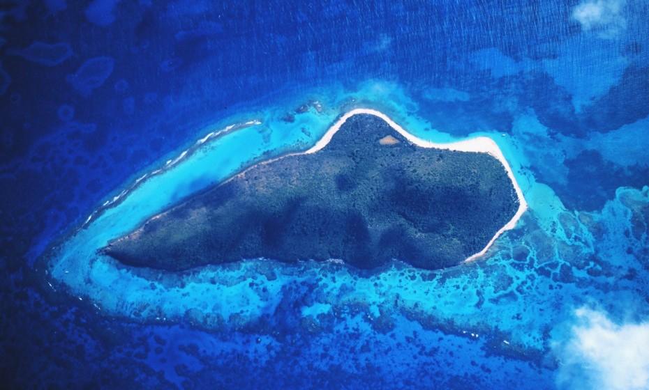 Buck Island está localizada nas Caraíbas e é uma ilha privada. Coletivamente, a ilha tem sete suites e uma paisagem de cortar a respiração. O seu terreno consiste em penhascos verticais e as praias de areia branca são perfeitas para explorar e admirar. O preço encontra-se sob consulta.