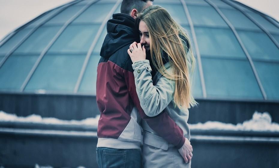Gémeos e Aquário – Esta junção é muito diferente de outros casais. Entendem-se entre si, principalmente a um nível mental e emocional, o que lhes dá a sensação de que estão juntos há anos e não apenas há alguns meses. Embora todos os momentos que passam juntos sejam incríveis, ambos entendem a necessidade de independência do parceiro.