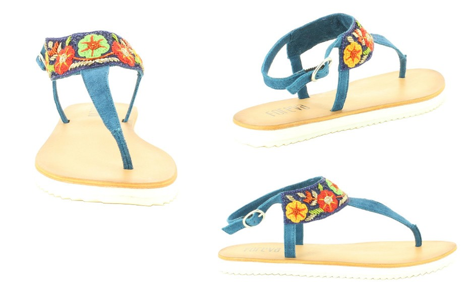 Sandálias rasas de camurça com padrão florido da Foreva.