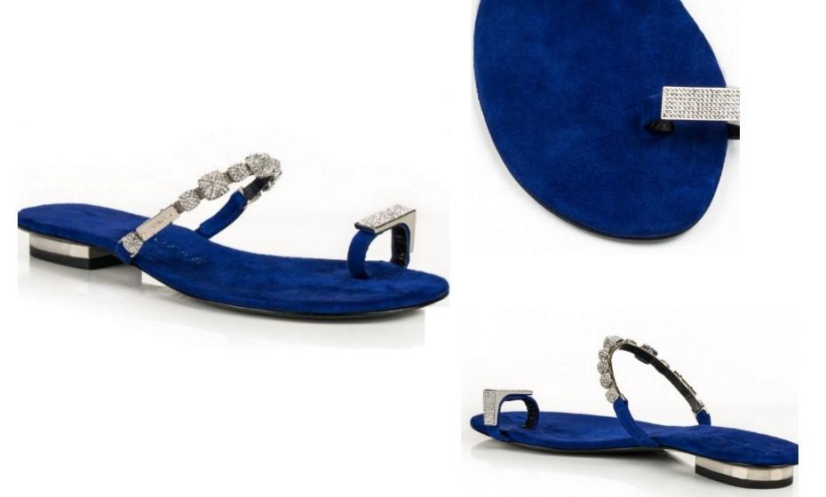 Uma versão luxuosa deste tipo de calçado. Repletas de brilhantes encrustados e uma sola em azul elétrico, esta é a sugestão de Luis Onofre.