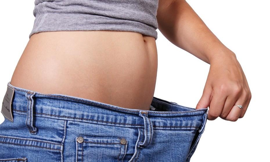 Faça uma desintoxicação gradual no seu corpo. Ajuda o corpo a livrar-se de toxinas que impedem um metabolismo saudável.
