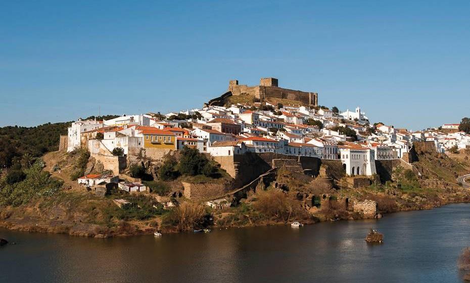 A vila de Mértola é banhada pelo rio Guadiana, o que fez desta vila um importante porto fluvial tanto na época romana como muçulmana. É chamada de 'Vila Museu', tantos são os artefactos arqueológicos de diferentes culturas aqui encontrados.