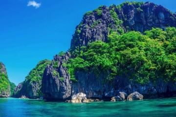 Sim, é possível. Basta que tenha dinheiro para isso e pode escolher uma bem paradisíaca. O 'Private Islands Online' é um site que permite vender, comprar ou alugar uma ilha. Qual gostaria de escolher?