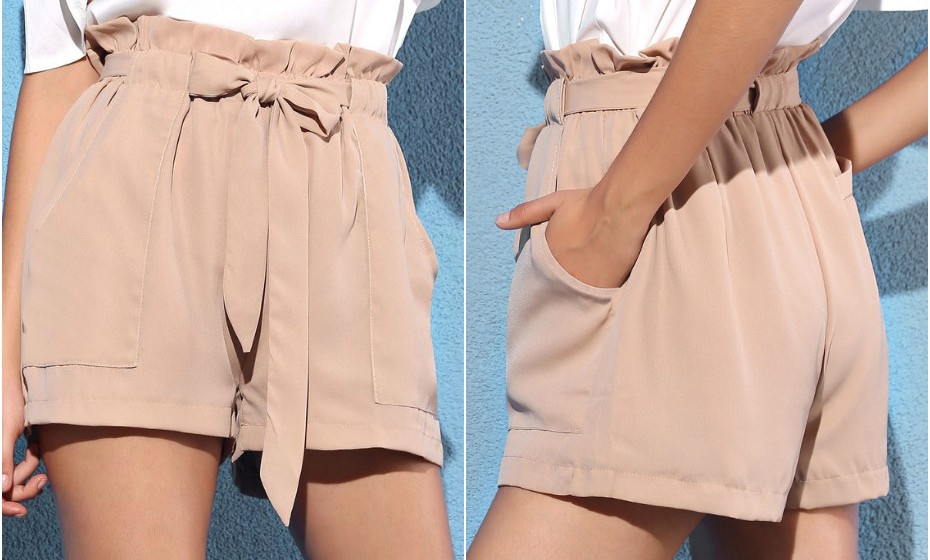Calções em  'A' : Estes calções dão a ilusão de que tem mais anca e uma cintura mais estreita, perfeito para quem tem poucas curvas. Visto que este tipo de calções tem muitos pormenores (pregas, tecidos texturizados, bolsos grandes), mantenha o resto do look minimalista com um top branco simples.