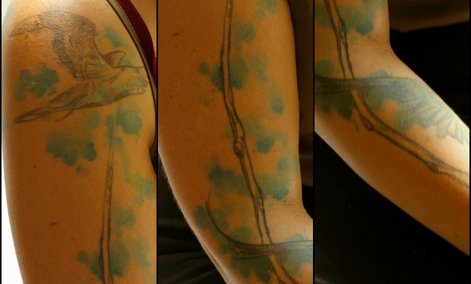 Quem faz uma, faz duas e Joana já conta com três, mas só quis mostrar esta tatuagem à objetiva da Mood. «Eu tenho três ao todo, mas as outras são horríveis».