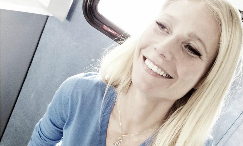 Gwyneth Paltrow descreve os seus primeiros cinco meses como mãe como «os meses mais difíceis e dolorosos» de toda a sua vida. A atriz confessa que não se apercebeu de que estava a passar por uma depressão pós-parto até mais tarde.