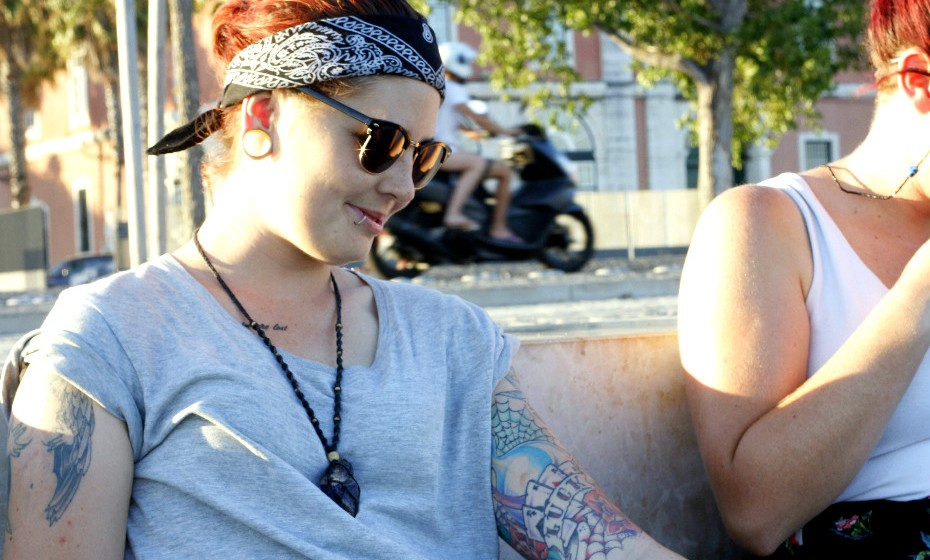 Cloey MacDonald, 24, não esconde a sua paixão pela arte das tatuagens. Começou aos 17 anos a pintar o corpo e, neste momento, já tem 13.