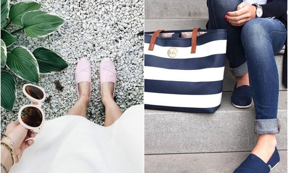 Uma outra opção é escolher um outfit monocromático. Jogue com a cor das alpercatas e escolha peças de roupa no mesmo tom. Neste caso, a técnica resulta melhor quando a cor do calçado não é muito chamativa.