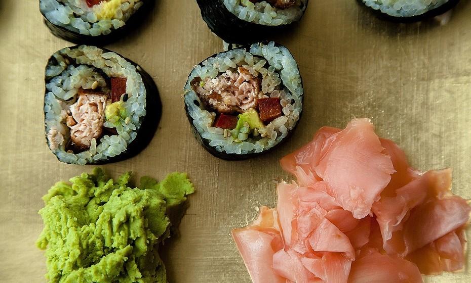 O gengibre em conserva é frequentemente utilizado para limpar o paladar entre as diferentes peças de sushi. O gengibre é uma boa fonte de potássio, magnésio e cobre. Além disso, pode ter certas propriedades que ajudam a proteger contra bactérias, vírus e cancro.