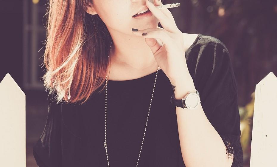 É de conhecimento geral que fumar pode prejudicar o feto em desenvolvimento, mas não só. Fumar pode reduzir as hipóteses de engravidar e provoca até 13% de todos os casos de infertilidade, de acordo com a Sociedade Americana de Medicina Reprodutiva.