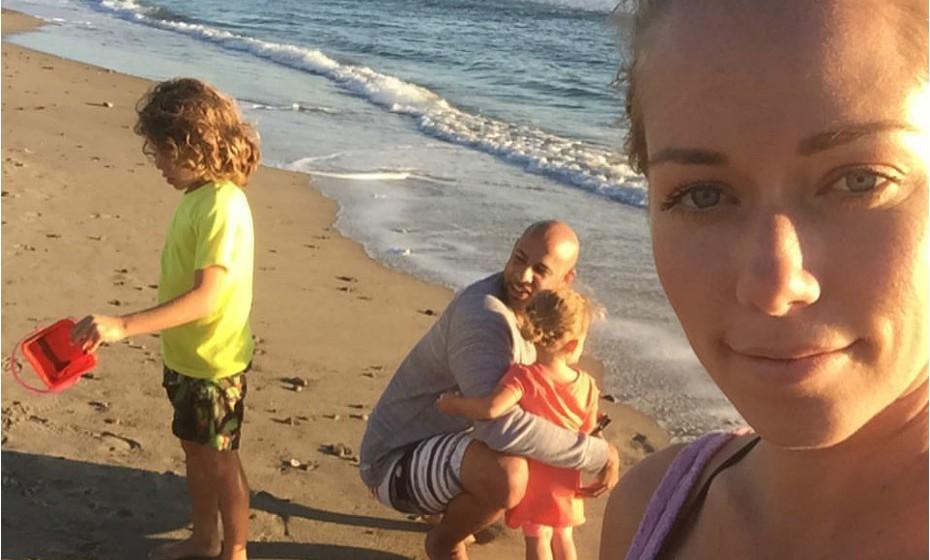 Kendra Wilkinson: 'Na altura, eu fazia tudo o que podia pelo bebé, mas perdi-me e isso foi muito frustrante. Eu era uma boa mãe, mas estava definitivamente muito deprimida», partilha.