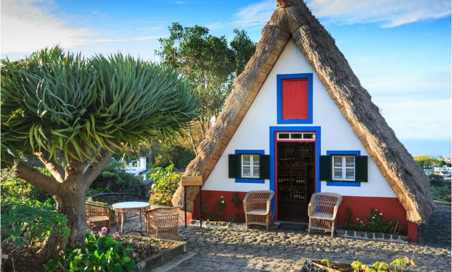 Santana é um município ao longo da costa norte da Ilha da Madeira, Portugal. O lugar é conhecido pelas suas casas tradicionais construídas com tetos triangulares inclinados e protegidos com palha. Eras eram casas rurais utilizadas por agricultores locais durante o povoamento da ilha.