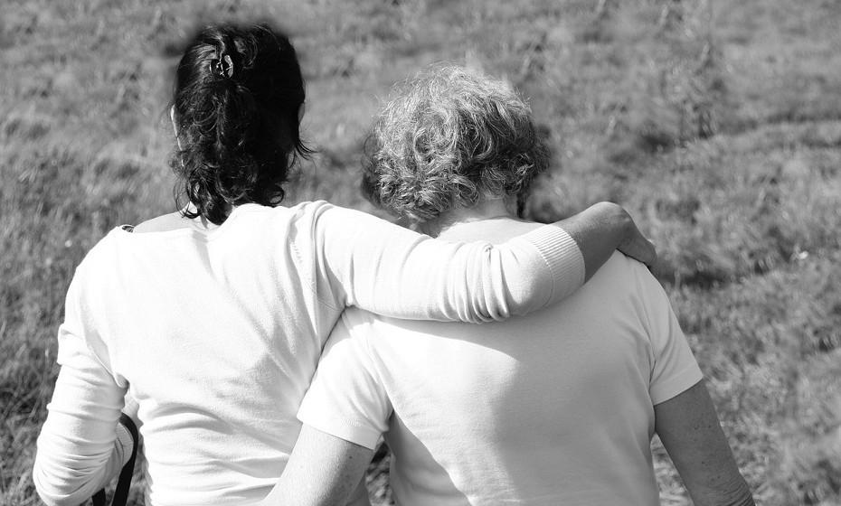 «As mulheres nascem com uma certa quantidade de óvuloss», explica Arredondo 'Health'. «Existem determinados fatores genéticos que podem fazer com que nasça com mais ou menos óvulos do que o normal». Fale com a sua mãe sobre o assunto, questione com que idade teve a menopausa… a genética influencia muito a saúde do ser humano.