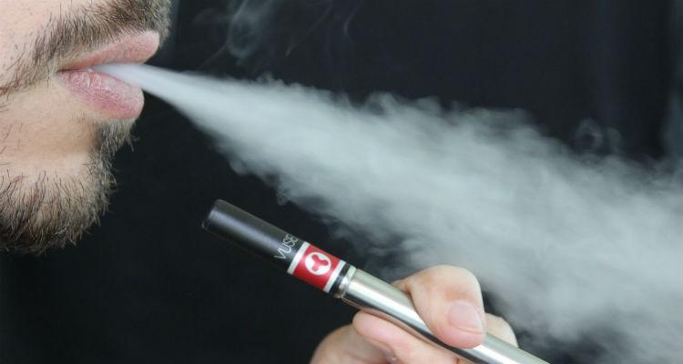 Cigarros eletrónicos podem reduzir o consumo de tabaco