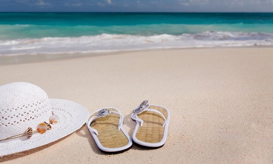 Ainda não decidiu onde vai passar as próximas férias de verão? Se está em fase de marcações e é um livro aberto, veja as sugestões que os astros têm para si.