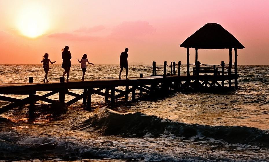 Capricórnio: Para se sentir bem precisa de estar sozinho ou rodeado da família mais chegada. Gosta de ir de férias para locais isolados onde possa descansar e recarregar baterias. Aprecia passar férias em locais tranquilos como o campo.