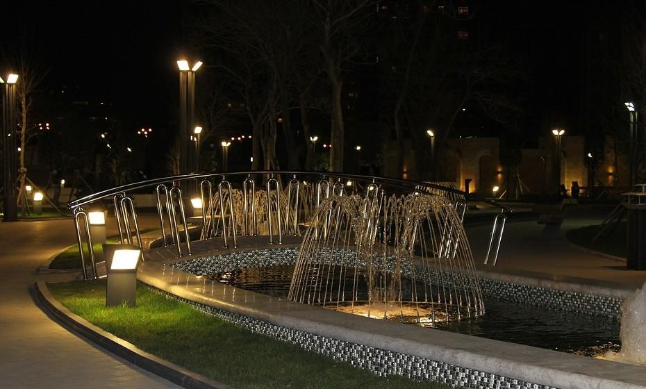Baku, Azerbaijão – Prepare-se para uma noite bem regada. No bar Konti Pub é possível ter um barril em cima da mesa e ir bebendo a noite toda.