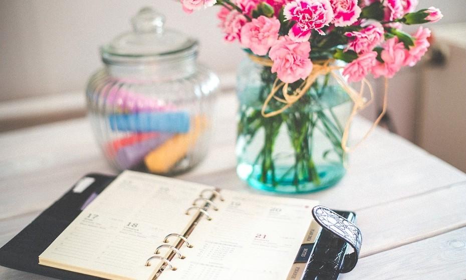 Faça uma lista de objetivos que pretende atingir a curto prazo. Isto incluindo as pequenas tarefas do dia-a-dia.