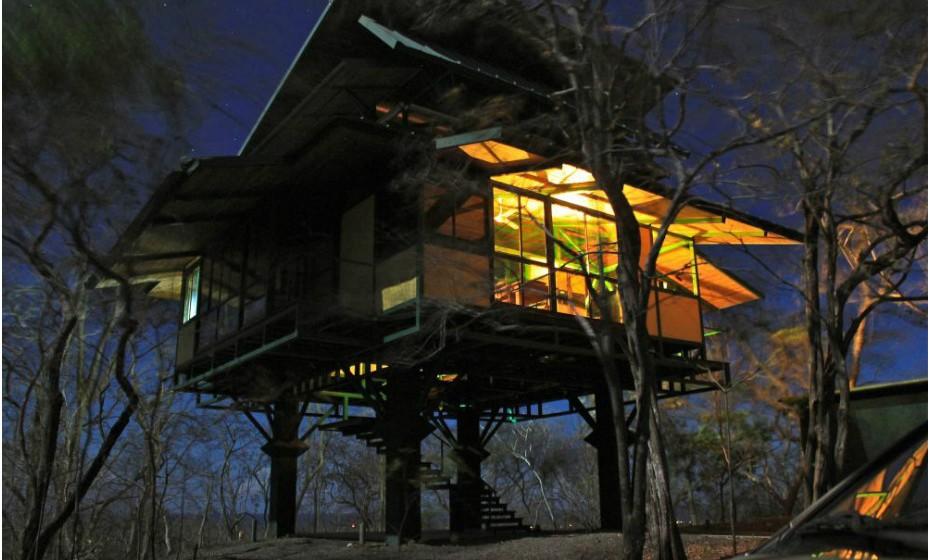 Se sempre teve o sonho de dormir numa casa da árvore, agora pode realizá-lo. Em Guanacaste, Costa Rica, está a Luxury Tree House. Nesta casa, cabem seis pessoas e cada noite custa 208 euros.