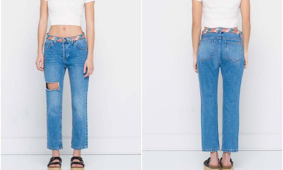 Aproveite os últimos saldos para renovar o seu stock de calças de ganga. Na imagem: Pull&Bear (5,99€).