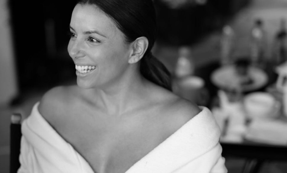 Eva Longoria, 41 anos, usa um creme à base de placenta. Ao que parece, a substância da placenta produz colagénio e aumenta a elasticidade da pele. Fonte: Marie Claire.