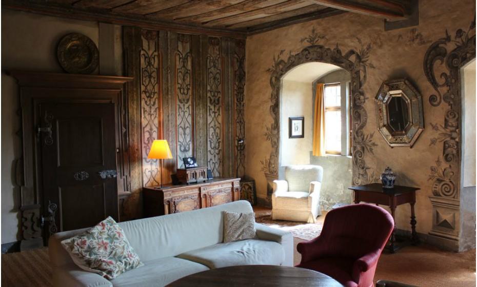 """Afinal, os contos de fadas são reais! Passe uma noite no castelo """"Alte Brauerei"""", em Wasserschloss, Baviera, na Alemanha. O seu interior está completamente equipado, inclusive com wi-fi. Por noite, terá de pagar 128 euros.  ."""