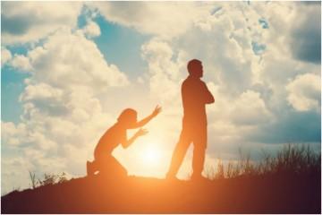As discussões são perfeitamente normais no seio do casal. Vários especialistas acreditam que só desta forma é que uma relação pode ser saudável. No entanto, por vezes, estes momentos menos bons agravam-se e levam a atitudes indesejadas. Esta lista é tudo o que deve evitar fazer nesses momentos.
