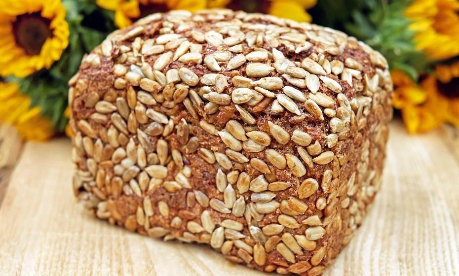 Se o seu treino se inicia dentro de  2-3 horas, prefira algo como um pão de sementes, com uma proteína magra e salada ou...