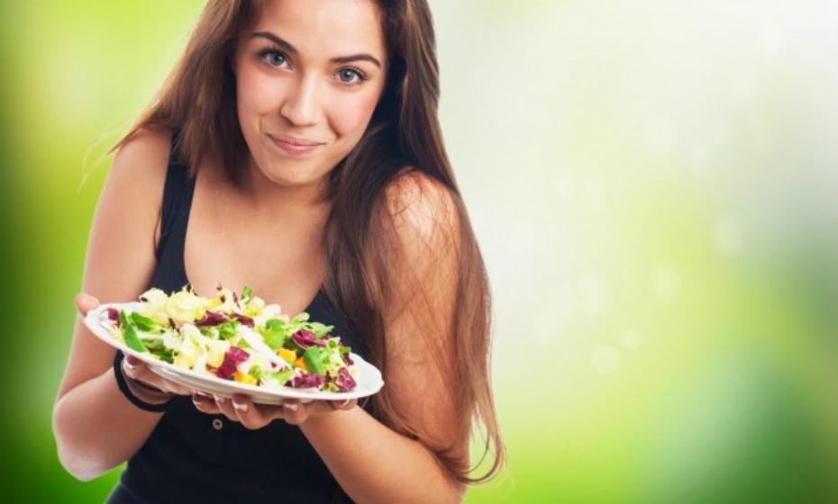O corpo não precisa de glúten. O glúten é um tipo de proteína e este nutriente pode ser obtido a partir de muitos outros alimentos, por isso, é perfeitamente seguro renunciar sem causar quaisquer efeitos nocivos. Um plano alimentar sem glúten bem executado pode ser muito benéfico, pois, muitas vezes, significa comprar menos alimentos processados e optar por produtos frescos e ricos em fibra.