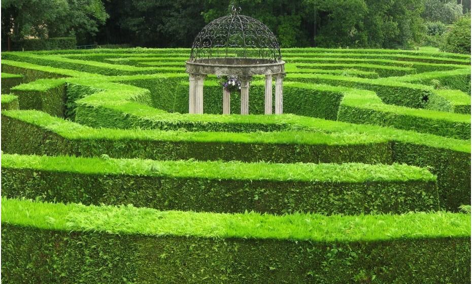 Longleat Hedge Maze, Inglaterra – Contruído em 1975, este é o mais comprido, mas não o mais largo, labirinto do mundo com os seus imponentes 2, 7 km que cobrem cerca de 0,6 hectares.