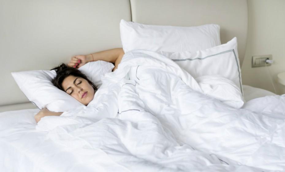 Faça os possíveis por dormir oito horas por noite.