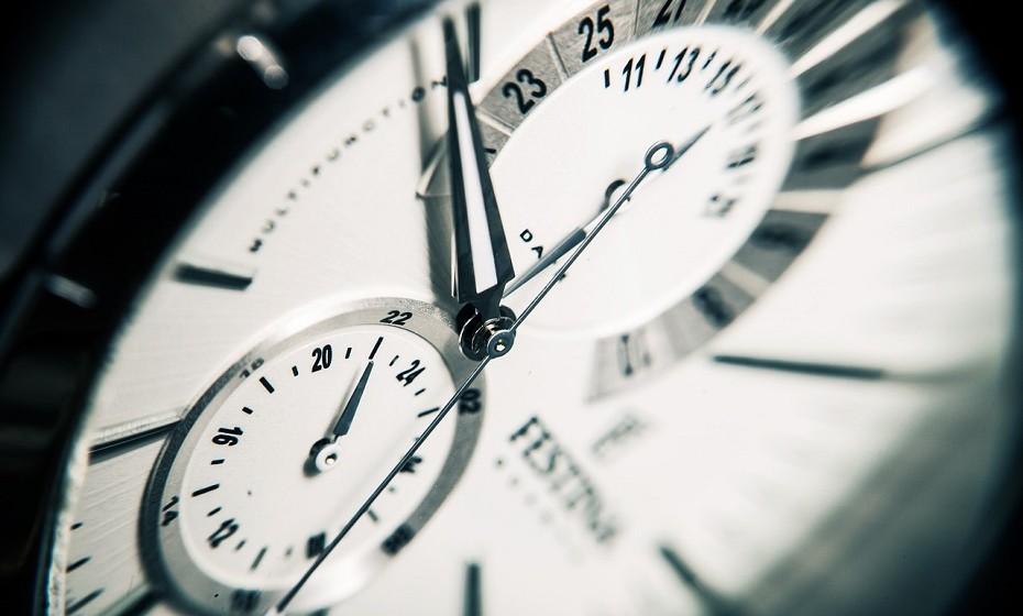 O ditado é antigo, mas verdadeiro: tempo é dinheiro. Percebe quanto vale o teu tempo e evita entrar em situações em que pensas que estás, por algum motivo, a ganhar, mas na realidade estás a perder dinheiro relativamente ao tempo despendido.